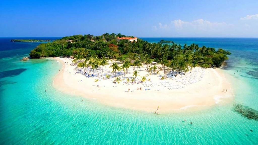 Cayo Levantado - Bacardi Island in the Dominican Republic