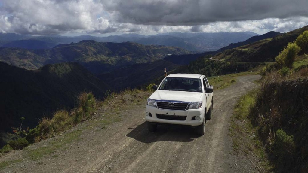 Exploring the Cordillera Central with a rental car