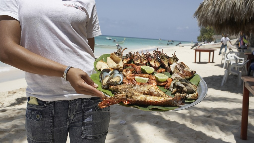 A sumptuous seafood meal at the beach