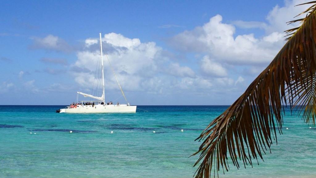 Isla Catalina is a perfect and stunning day trip from Santo Domingo
