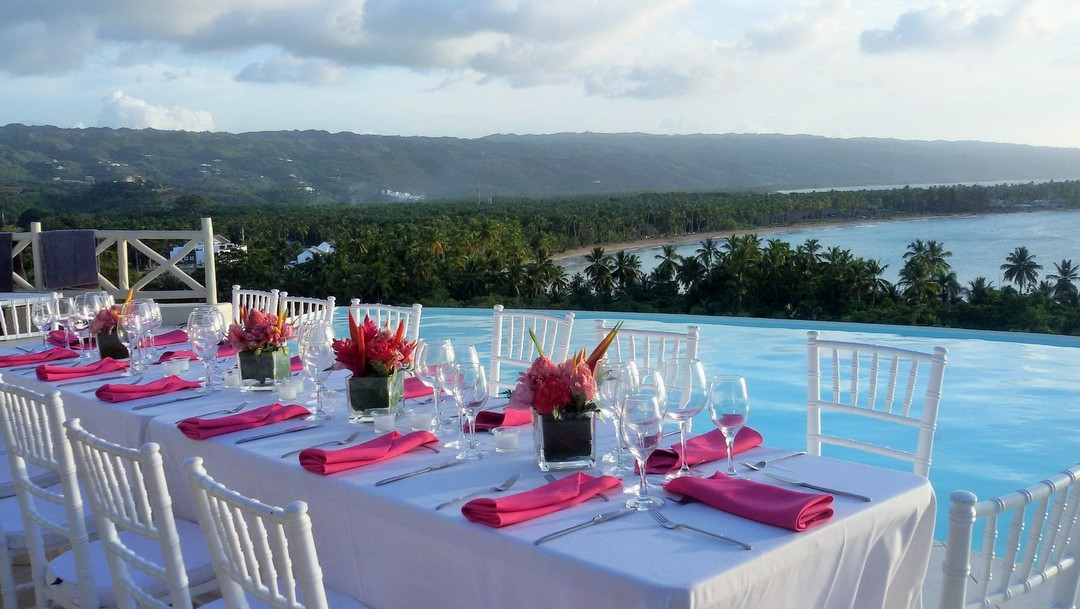 An elegant white and pink destination wedding in the MD House on the Samaná peninsula.
