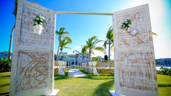 Tropical Garden - Destination Wedding