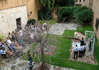 Destination Wedding in a beautiful colonial building