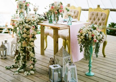 Beautiful rose wedding table