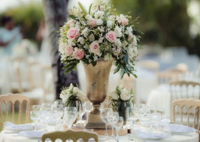 Centerpiece decoration by Dominican Expert
