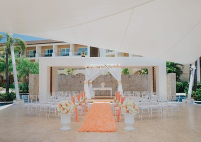 Destination wedding ceremony in the Caribbean - Grand Memories Punta Cana