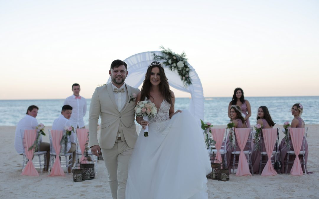 Sara & Jasmin´s beautiful all-inclusive destination wedding at Secrets Royal Beach***** in Punta Cana