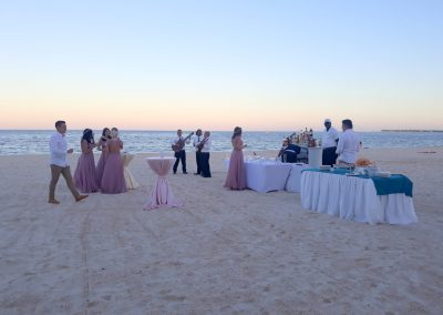 Cocktail reception and live music on the beach