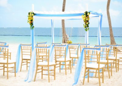 Beachfront destination wedding ceremony in the Caribbean - BeLive Collection Punta Cana