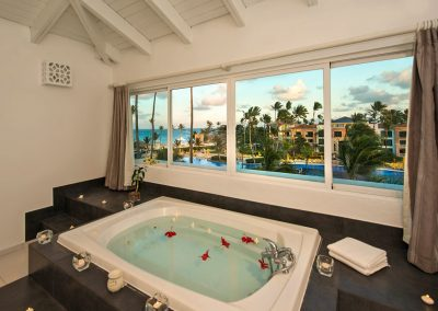 Jacuzzi in the Honeymoon Suite at the all inlusive hotel Ocean Blue and Sand iin Punta Cana, Dominican Republic