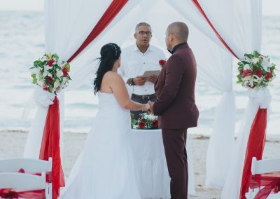 Beautiful beachfront wedding ceremony at the all-inclusive hotel Ocean Blue & Sand in Punta Cana, Dominican Republic