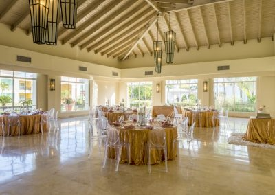 Elegant indoor wedding reception at the all-inclusive hotel Ocean Blue & Sand in Punta Cana, Dominican Republic