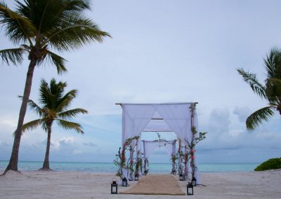dominican-republic_destination-wedding_all-inclusive_secrets-cap-cana_beach-ceremony_1920_023