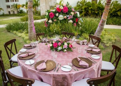 Table decoration for a wedding dinner at the adults only all-inclusive hotel Secrets Cap Cana in Punta Cana, Dominican Republic