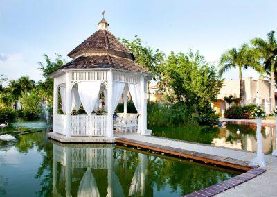 Gazebo for beautiful, intimate wedding ceremonies at the all-inclusive hotel Iberostar Hacienda Dominicus in Bayahibe, Dominican Republic
