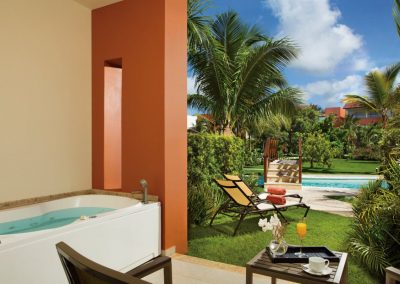 Deuxe Swim Up Terrace withh Jacuzzi at the all inclusive hotel Now Larimar in Punta Cana, Dominican Republic