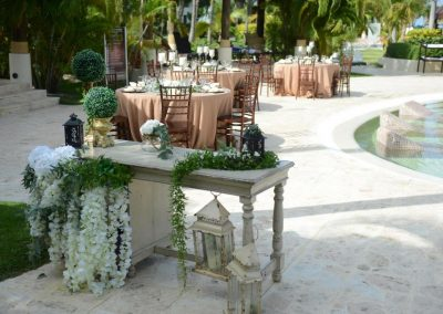 Beautiful, tropical poolside wedding reception at the all inclusive hotel Now Larimar in Punta Cana, Dominican Republic