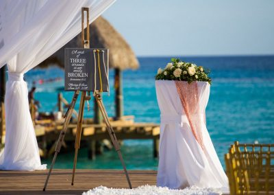 Welcome set-up for a destination wedding at the all-inclusive hotel Dreams Dominicus La Romana in Bayahibe