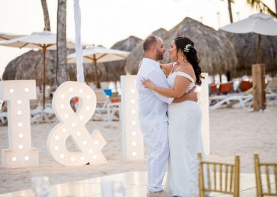 First dance by the beach at the all-inclusive hotel Dreams Dominicus La Romana in Bayahibe