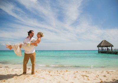 Newlyweds at the all-inclusive hotel Dreams Dominicus La Romana in Bayahibe