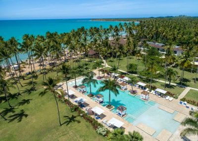 Pool and beach area of the all-inclusive hotel Viva Wyndham V Samana (Adults Only) in Las Terrenas, Dominican Republic